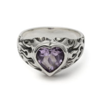 flaming-heart-gem-ring-amethyst-front