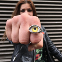 horizontal eye ring