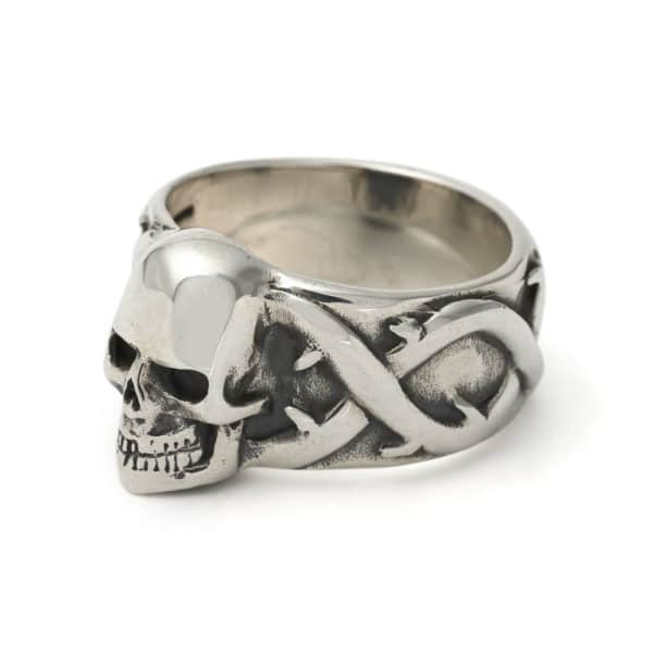 large-skull-and-thorns-ring-angled
