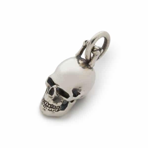medium-skull-pendant-front-web