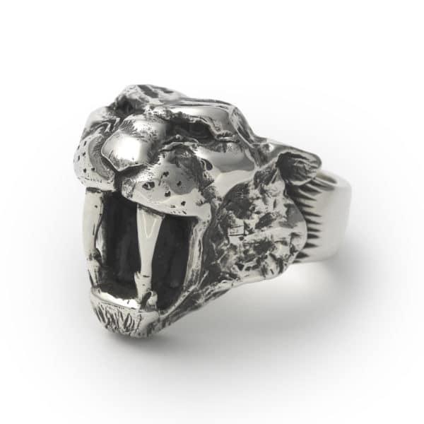sabretooth-ring-angled
