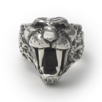 sabretooth-ring-front
