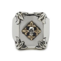 shield-with-skull-and-gold-fleur-de-lis-ring-front