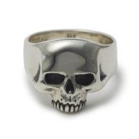 small-evil-skull-ring-front