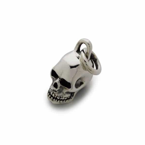 small-skull-pendant-angled-web