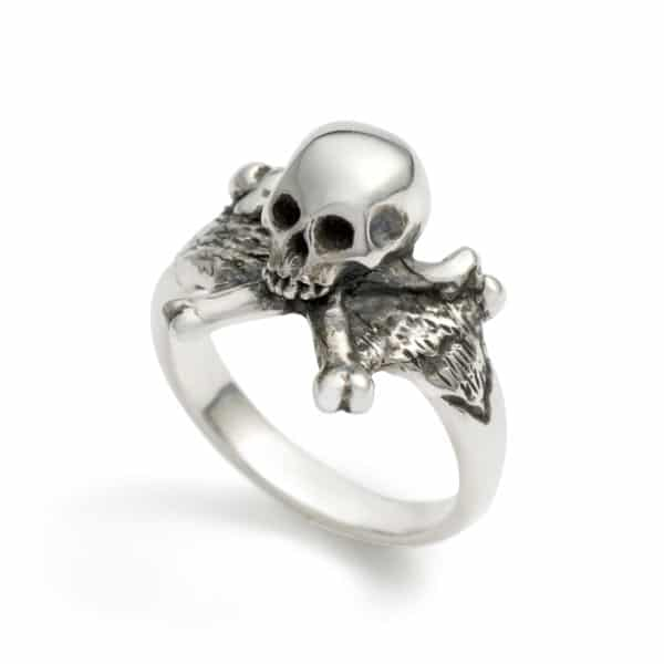 3d-skull-and-crossbones-ring-angled-2