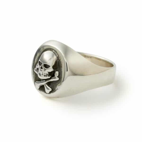 all-silver-skull-signet-angled