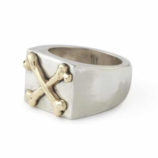 crossbones-square-signet-ring-angled