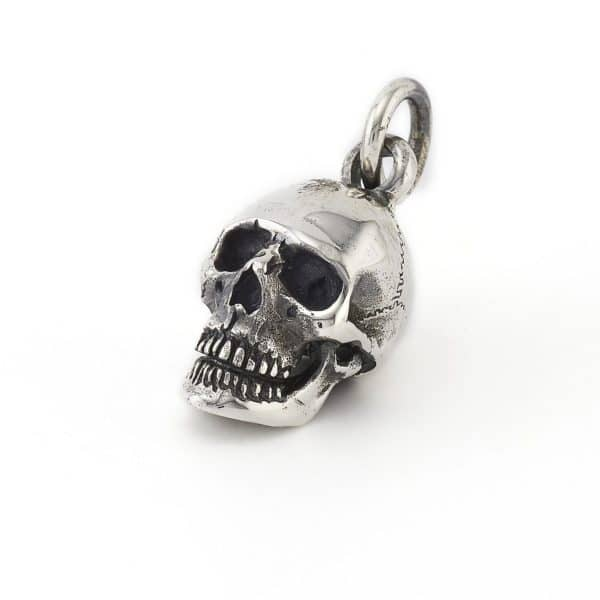 small-anatomical-skull-pendant-angled