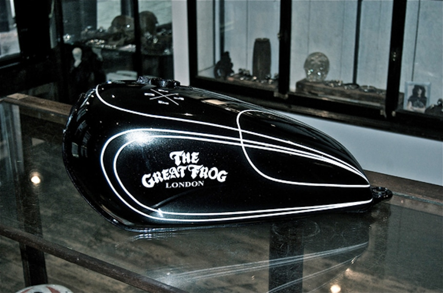 The Great Frog x Death Spray Custom Tank