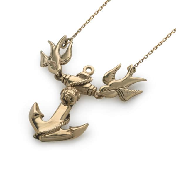 anchor-and-swallows-gold-pendant-angled