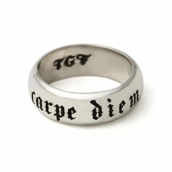 carpe-diem-ring-front