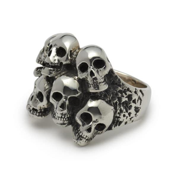 catacombs-skull-ring-angled