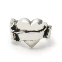 heart-with-banner-ring-front