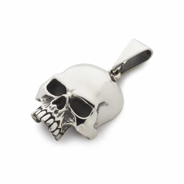large-flat-skull-pendant