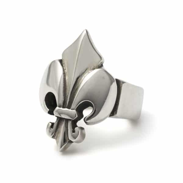 large-fleur-de-lis-ring-angled