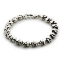 large-skull-wallet-chain-angled