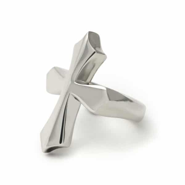 plain-cross-ring-angled
