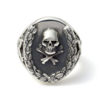 silver-wreath-ring-front