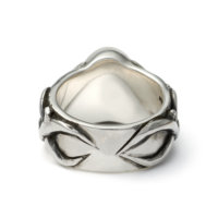 skull-and-thorns-ring-back