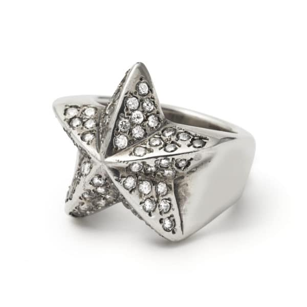 star-ring-with-white-cz-angled