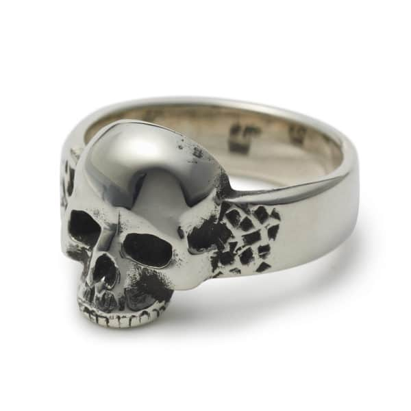 top-jaw-skull-ring-angled